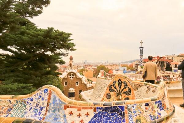 park-guell-benches